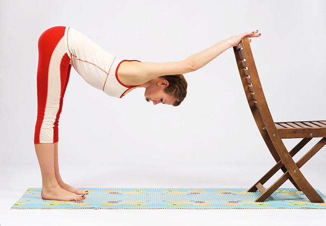 腰间盘突出的瑜伽治疗方法 7个瑜伽动作锻炼腰椎别乱来