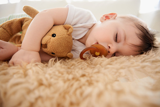 孩子睡觉磨牙是怎么回事 孩子磨牙父母应该怎么做