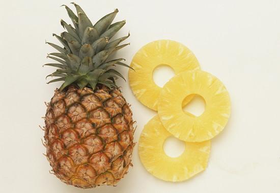 吃菠萝为什么要用盐水泡过 盐水泡菠萝的原因原来是这样
