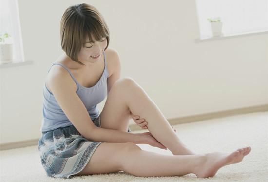白领久坐小腿水肿怎么办 腿部水肿可以试试以下方法