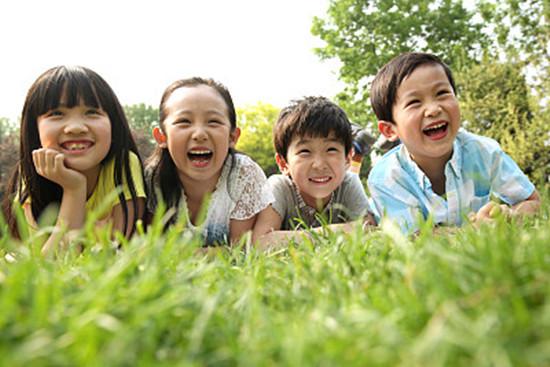 小孩可以去扫墓吗 多大的孩子才可以随父母去扫墓呢