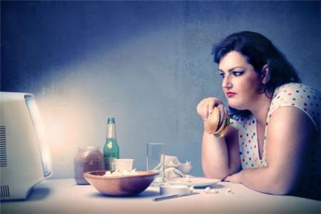 肚子越来越大你找原因了吗,跟这些习惯有关