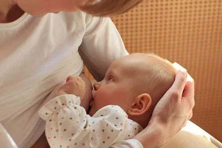 哺乳期这样给宝宝喂奶,保证母乳不会少