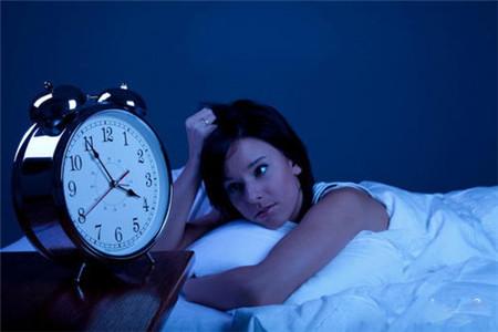 女人为什么会偏头痛,跟这四点有关