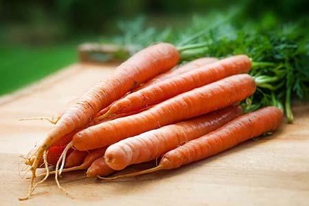 胡萝卜吃多影响视力,这三种蔬菜要少吃