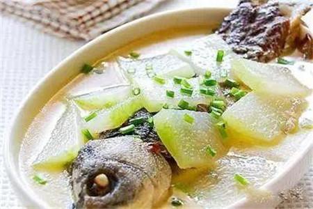 三道鲫鱼汤的做法,常吃可以避免感冒