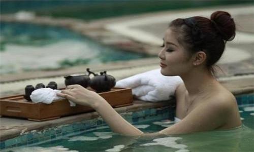 夏天泡温泉的好处都有哪些?女性朋友可以了解一下