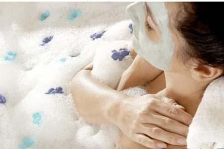 女人洗胸部可别用香皂,小心惹上皮肤病