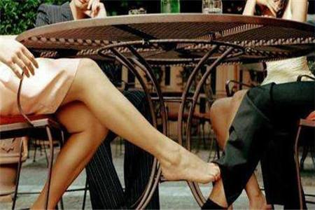 已婚女人为什么爱出轨,这个理由让男人沉默