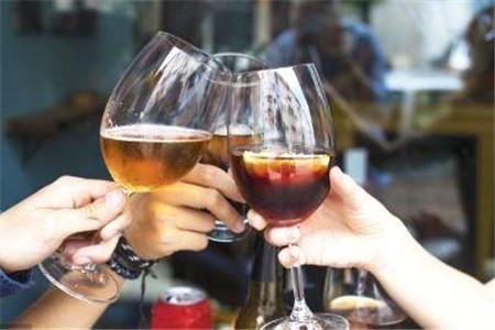 如何减少喝酒的伤害