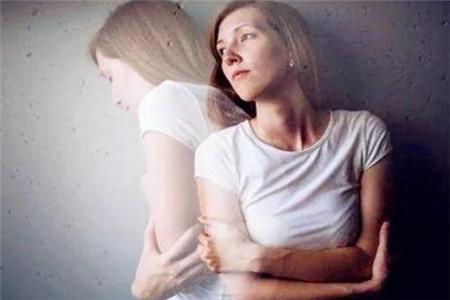 女人产后抑郁
