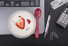 便秘什么时间喝酸奶效果最好呢 多喝酸奶并不能减肥还会增胖?