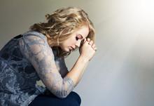 女人下腹坠涨是怎么回事 4个疾病信号不能忽视